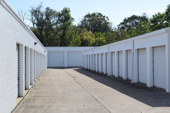 Self-storage and mini-units in near Medina