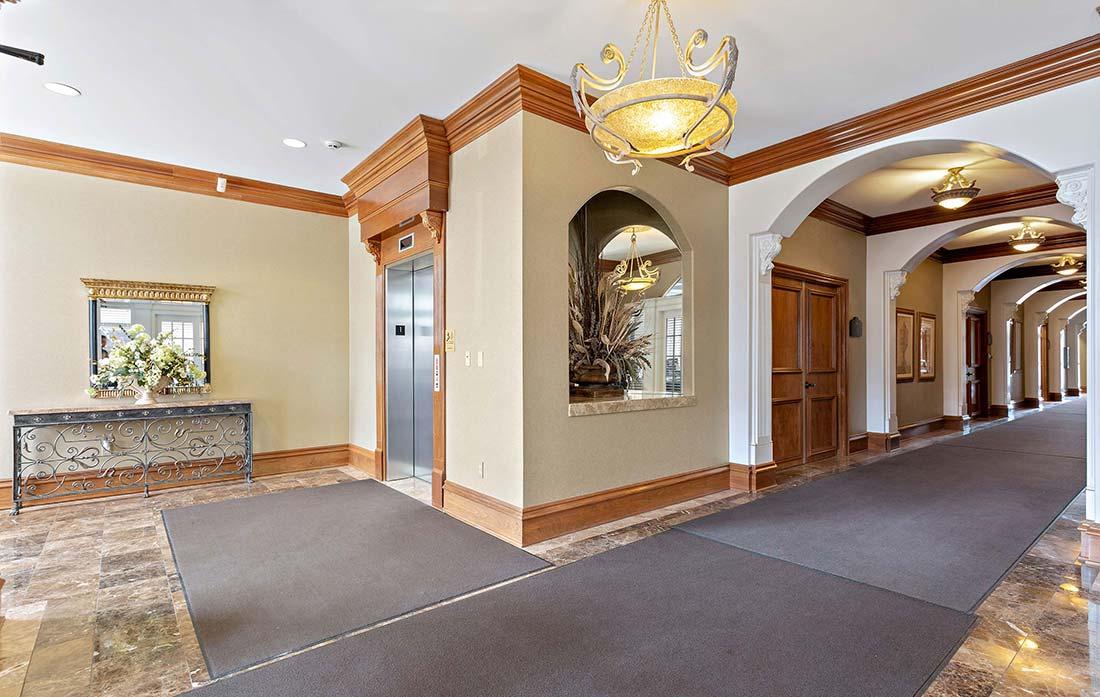 1392 High Street, Wadsworth, Ohio - Elevator