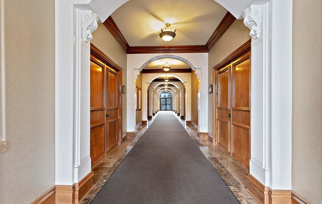 1392 High Street, Wadsworth, Ohio - Foyer